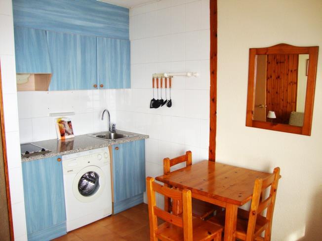cocina_4-apartamentos-lake-placid-3000pas-de-la-casa-estacion-grandvalira.jpg