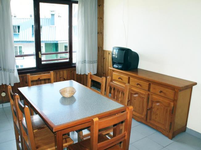 salon-comedor_10-apartamentos-lake-placid-3000pas-de-la-casa-estacion-grandvalira.jpg