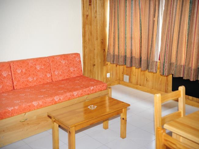 salon-comedor_12-apartamentos-lake-placid-3000pas-de-la-casa-estacion-grandvalira.jpg