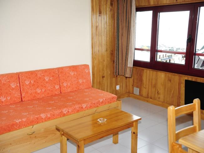 salon-comedor_13-apartamentos-lake-placid-3000pas-de-la-casa-estacion-grandvalira.jpg