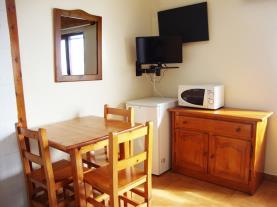salon-comedor_2-apartamentos-lake-placid-3000pas-de-la-casa-estacion-grandvalira.jpg