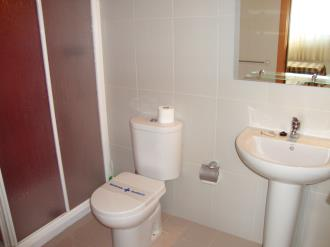 bano_2-apartamentos-peniscola-centro-3000-sin-piscinapeniscola-costa-azahar.jpg