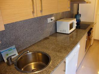 cocina-apartamentos-peniscola-centro-3000-sin-piscina-peniscola-costa-azahar.jpg