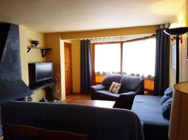 salon_10-apartamentos-formigal-3000formigal-pirineo-aragones.jpg