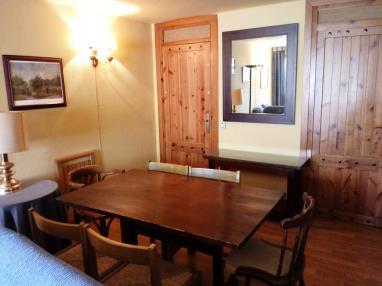 salon_9-apartamentos-formigal-3000formigal-pirineo-aragones.jpg