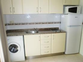 Cocina2-Apartamentos-Tres-Carabelas-3000-ALCOCEBER-Costa-Azahar.jpg