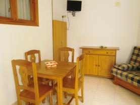 Salón-comedor1-Apartamentos-Tres-Carabelas-3000-ALCOCEBER-Costa-Azahar.jpg