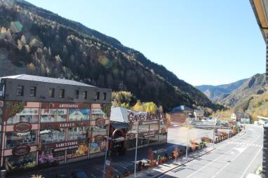 Vistas Andorra Estación Grandvalira Tarter, el Apartamentos La Mercería 3000