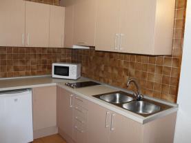 Cocina2-Apartamentos-Cims-Pas-3000-PAS-DE-LA-CASA-Estación-Grandvalira.jpg