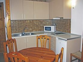 cocina-9-apartamentos-cims-pas-3000pas-de-la-casa-estacion-grandvalira.jpg