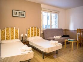 dormitorio-1-apartamentos-cims-pas-3000pas-de-la-casa-estacion-grandvalira.jpg