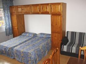 dormitorio-5-apartamentos-cims-pas-3000pas-de-la-casa-estacion-grandvalira.jpg