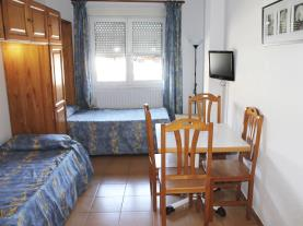 dormitorio-apartamentos-cims-pas-3000-pas-de-la-casa-estacion-grandvalira.jpg