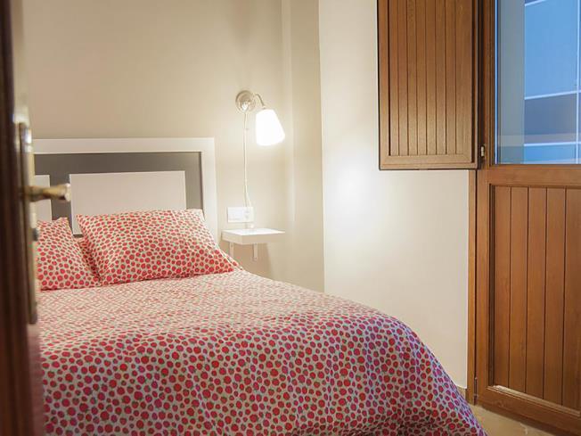 dormitorio-granada-catedral-plaza-3000-granada-andalucia.jpg
