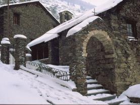 Pueblo invierno Canillo Estación Grandvalira Andorra