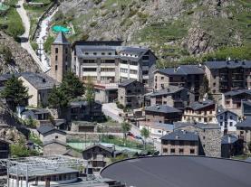 Vista pueblo Canillo Estación Grandvalira Andorra