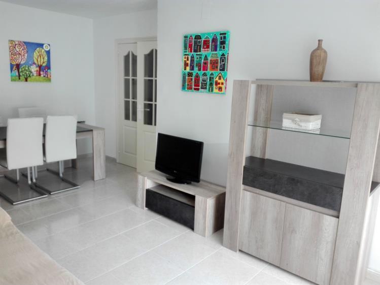 salon-comedor-apartamentos-benicasim-3000-benicasim-costa-azahar.jpg