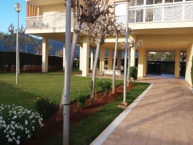 jardin_2-apartamentos-benicasim-3000benicasim-costa-azahar.jpg