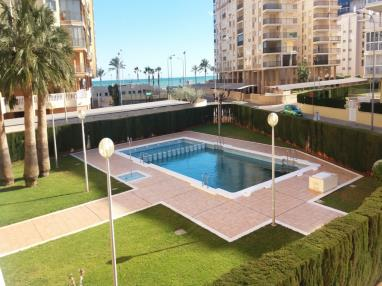 piscina-apartamentos-benicasim-3000-benicasim-costa-azahar.jpg