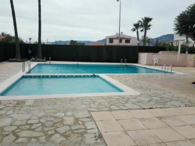 piscina_1-apartamentos-benicasim-3000benicasim-costa-azahar.jpg