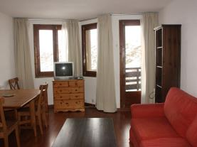 Salón-comedor-Apartamentos-Pas-Luxury-3000-PAS-DE-LA-CASA-Estación-Grandvalira.jpg