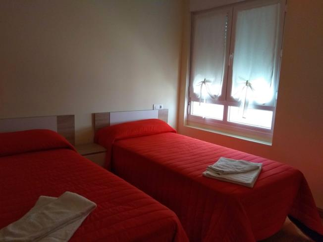 dormitorio_10-apartamentos-foz-3000foz-galicia_-rias-altas.jpg