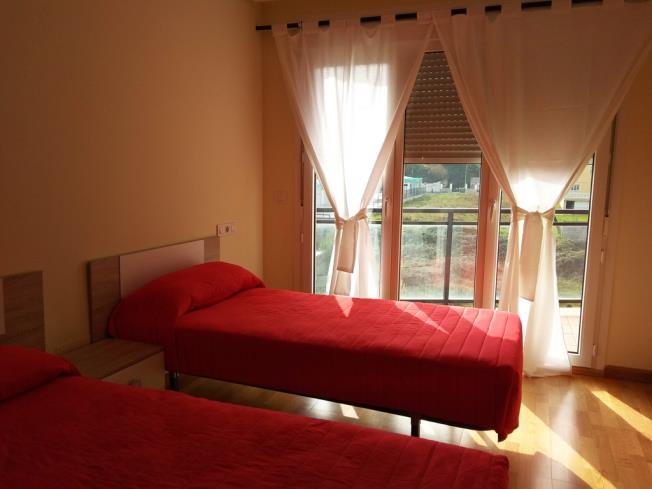 dormitorio_13-apartamentos-foz-3000foz-galicia_-rias-altas.jpg