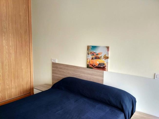 dormitorio_2-apartamentos-foz-3000foz-galicia_-rias-altas.jpg