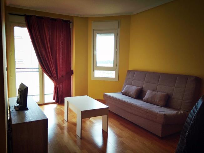 salon-comedor_7-apartamentos-foz-3000foz-galicia_-rias-altas.jpg