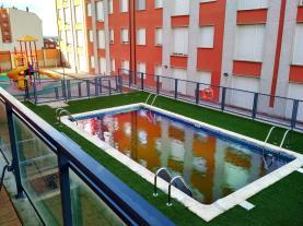 piscina-apartamentos-foz-3000-foz-galicia-rias-altas.jpg