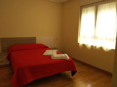 dormitorio_14-apartamentos-foz-3000foz-galicia_-rias-altas.jpg