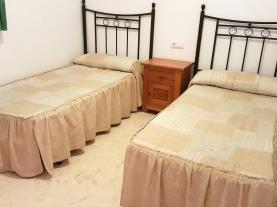 dormitorio_1-apartamentos-gandia-playa-de-l-ahuir-3000gandia-costa-de-valencia.jpg