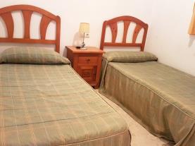 dormitorio_2-apartamentos-gandia-playa-de-l-ahuir-3000gandia-costa-de-valencia.jpg
