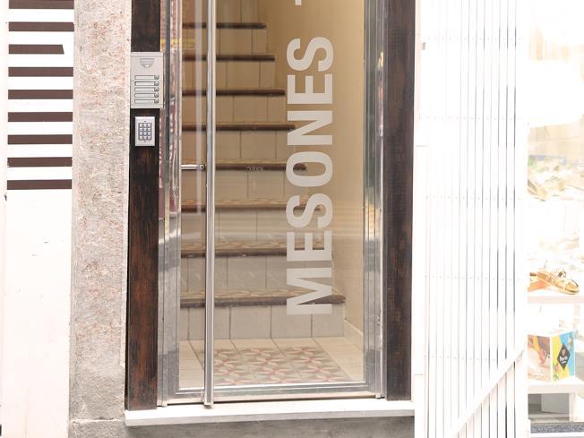 Fachada Verano Apartamentos Mesones 18 3000 Granada
