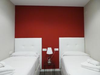 dormitorio1-apartamentos-mesones-18-3000.jpg