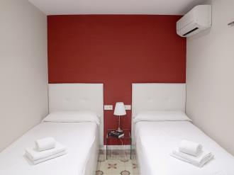 dormitorio_2-apartamentos-mesones-18-3000granada-andalucia.jpg