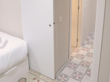 dormitorio_4-apartamentos-mesones-18-3000granada-andalucia.jpg