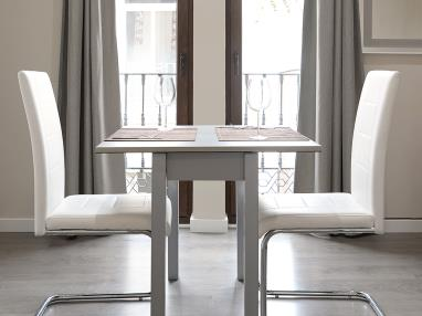 salon-comedor-apartamentos-mesones-18-3000-granada-andalucia.jpg