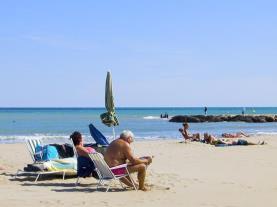 Descanso en la playa Alcoceber Costa Azahar España