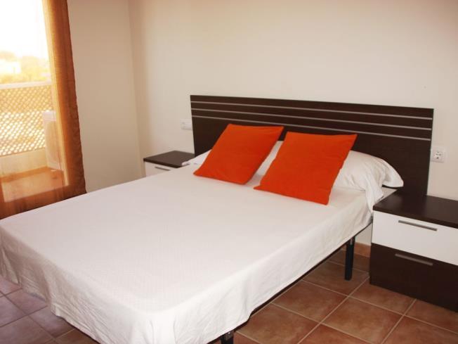 Dormitorio1-Chalets-Bellamar-3000-ALCOCEBER-Costa-Azahar.jpg
