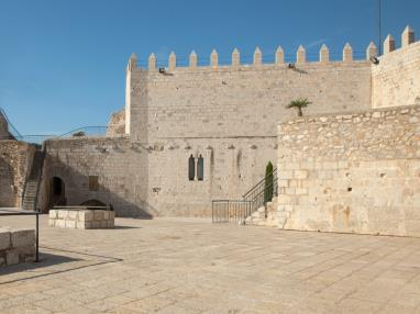 exterior-castillo-peniscola.jpg