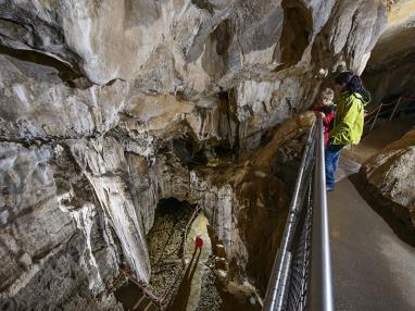 cueva-guixas1.jpg