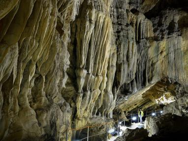 cueva-guixas3.jpg