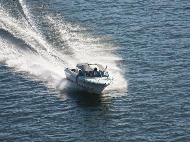 alquiler-barco-sin-licencia-lancha.jpg