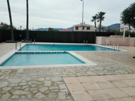 piscina_1-apartamentos-riviera-3000benicasim-costa-azahar.jpg