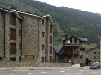Fachada-Invierno-Apartamentos-La-Pleta-3000-SOLDEU-Estación-Grandvalira.jpg