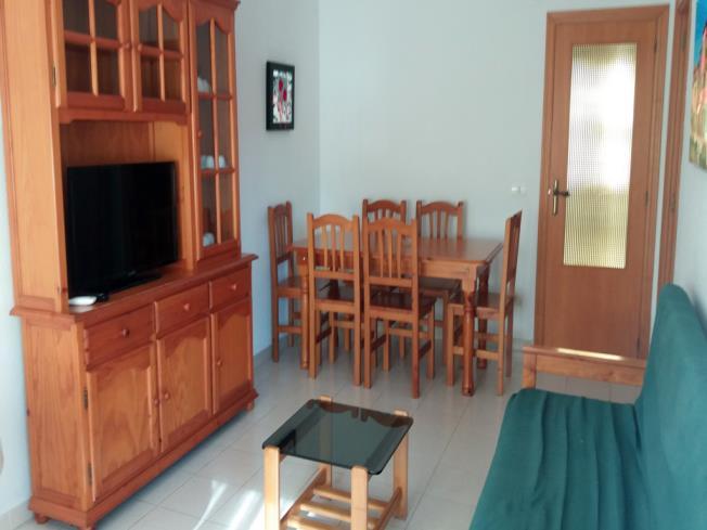salon-comedor_1-apartamentos-entreplayas-3000oropesa-del-mar-costa-azahar.jpg