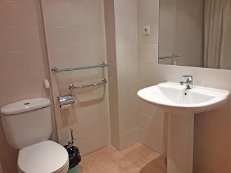 bano-apartamentos-canillo-ribagrossa-3000-canillo-estacion-grandvalira.jpg