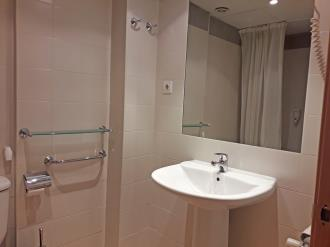 bano_2-apartamentos-canillo-ribagrossa-3000canillo-estacion-grandvalira.jpg