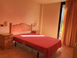 dormitorio_1-apartamentos-canillo-ribagrossa-3000canillo-estacion-grandvalira.jpg